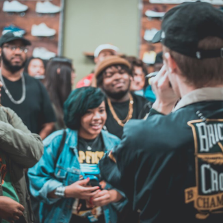willis performing live at naptown thrift pop-up